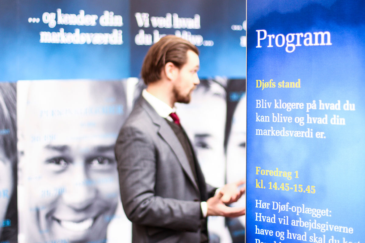 messestand-udstillingssystemer-digital-storytelling-windscape-forsvaret